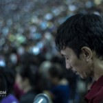 prayer in a crowd Philippine Arena